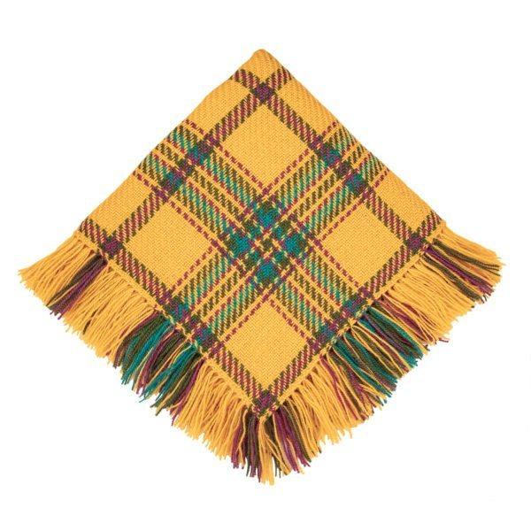 Keltainen villahuivi käsityö