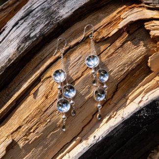 Käsintehdyt korvakorut hopeaa