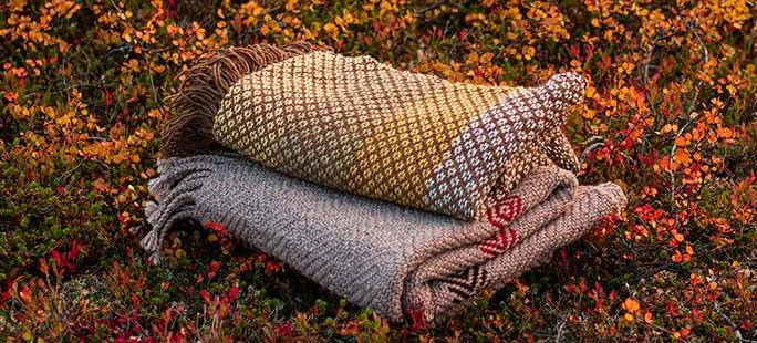 Käsinkudotut tekstiilit