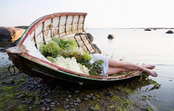 Mari Hokkanen Flower Performances