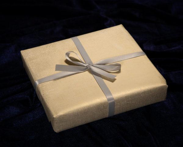 Juhla-lahjapaketointi