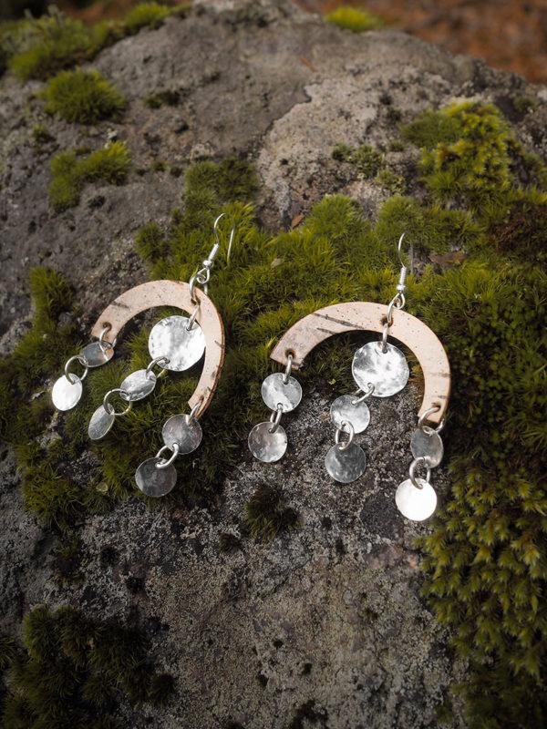 Isot hopea- ja tuohikorvakorut Sateenkaari
