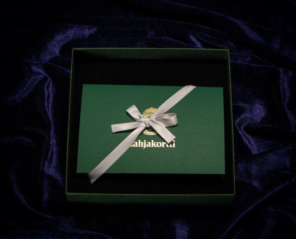 Keisarillinen Premium lahjakorttilaatikko.