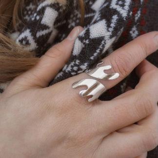 Sarvet sormus hopeaa sileä